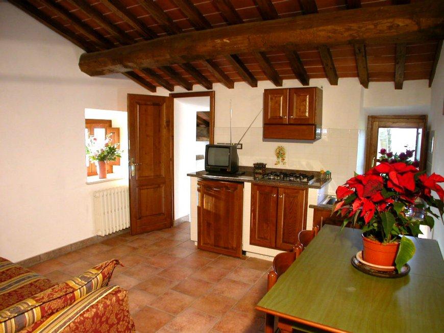 Soggiorno agriturismo toscana suites due querce for Piani di casa con due master suite al primo piano